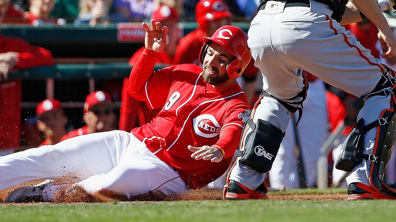 Peraza, Herrera lead offense for Reds